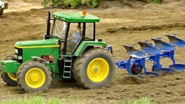 XXXL RC SCALE 1:8 MODEL TRACTOR JOHN DEERE 7800 ΣΤΟ ΧΏΡΟ ΕΡΓΑΣΊΑΣ / Intermodellbau Dortmund 2016