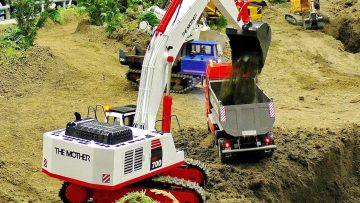 RC CONSTRUCTION SITE WITH POWERFUL SCALE 1:14 MODEL CONSTRUCTION MACHINES AT WORK AND IN MOTION