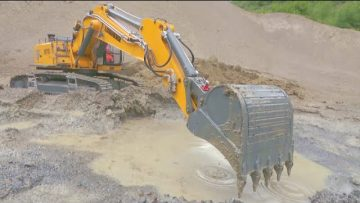 LIEBHERR 970 MUD DIGGING! SO MUCH MUD AND WATER AT THE BIGGEST CONSTRUCTION SITE!