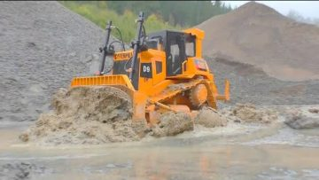 Liebherr 741 RC AT WORK! CATERPILLAR D9 IN ACTION! GRAND HAULER RESCUE ACTION! VÉHICULES RC COOL