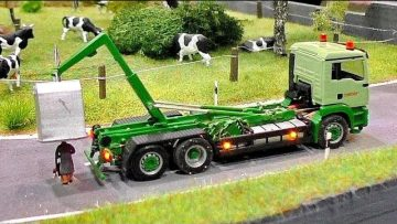 MINIATURE MICRO RC MODEL CRANE-TRUCK IN SCALE 1:87 WITH AMAZING FUNCTIONALITY ON A DIORAMA