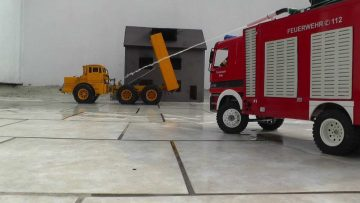 FIRE TRUCK l RC FIRE TRUCK HELPS l CONSTRUCTION MACHINES