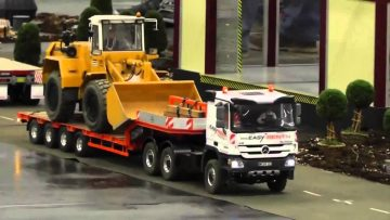 BIG RC TRUCKS AND ACTION! BEAUTIFUL MB Actros! Lliebherr! Strong RC Digger!