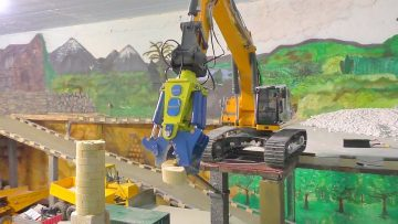 Bagger – RC  Demolition of a radio station l  Abriss eines Funkturm mit den LH 956 l