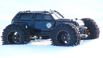 RC ADVENTURES – TRAXXAS SUMMiT – Fugitive Recovery Vehicle 4×4 – Apocalypse Truck