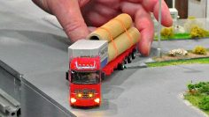 AMAZING RADIO CONTROLLED MINIATURE MODEL TRUCKS IN SCALE 1:87 WITH FANTASTIC FUNKTIONALITY IN MOTION