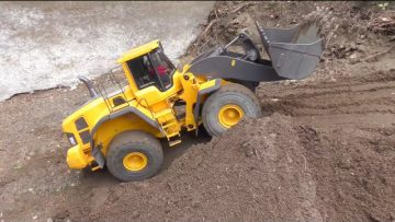WHEEL LOADER – RC VOLVO L250G!  AWESOME  KIROVETS K-700