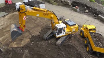 RC EXCAVATOR LIEBHERR 944, BIG RC EQUIPMENT, HEAVY RC MACHINES! RC LIVE ACTION TOYS