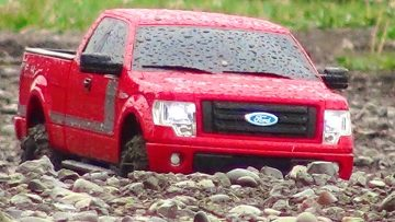 AVENTURES RC – 2013 Ford F-150 FX4 Truck w/ Appearance Package Off-road at a Dirt Track