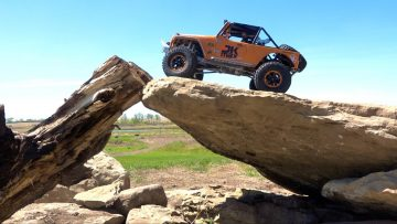 NEW BACKYARD ROCK LiNES & the JK MAX RiSKiNG iT ALL! | RC AVENTURI
