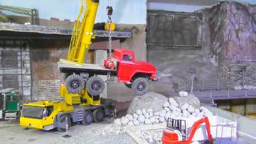 R/C ACCIDENT RCTRUCK RESCUE RC TRUCK CRANE LIEBHER LTM 1055W model scale art liebherr volvo s