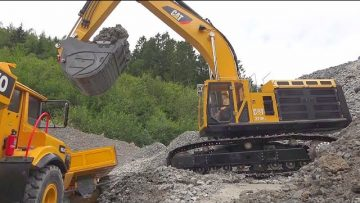 NEW CATERPILLAR 374F! HEAVY RC WORK AT THE BIGGEST CONSTRUCTION SITE! WORLD OF RC! BIG RC ACTION