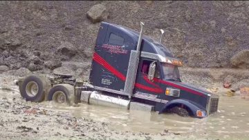 TRUCK RESCUE! VOLVO A45G IN ACTION! RC TRUCK STUCK IN MUD! LUMEA RC