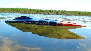 RC ADVENTURES – AquaCraft Revolt 30 Brushless FE Mono Boat – Radio Controlled