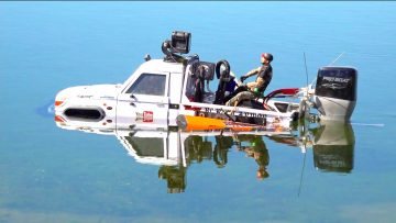 I'M HERE TO STAY! TRUCK with a BOAT MOTOR – TOYBOTA CROSSES OPEN WATER | RC EVENTYR
