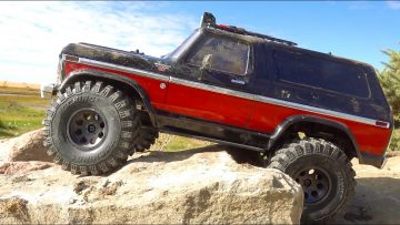 GREAT STRESS RELIEF! FORD BRONCO TRAXXAS TRX4 on MONSTER TIRES CAN EAT for DAYS | AVENTURAS RC