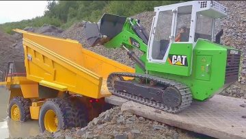 HEAVY TRUCK CRASH! TIPPER ACCIDENT 2020! CAT 777D STUCK IN MUD! LIEBHERR 973D BEST RC TRUCKS 2020