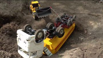 RC TIPPER CRASH, RC CRASH AT THE CONSTRUCTION