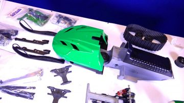 AVENTURAS RC – ART ATTACK Snow Mobile Layout & Visão geral (PT 2) (Upgraded Parts Arrive)