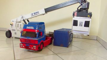 AWESOME RC – CONTAINER LOADER – RC KFR 853 R5H 1/14