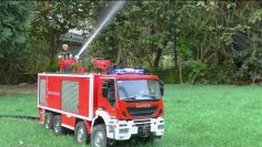 DESAUTEL SLF FIRE TRUCK! BIGGEST RC FIRETRUCK FOR REAL FIRE! RC FIRE ENGINE IN ACTION