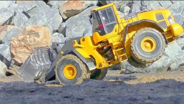 COOL RC VEHICLES AT THE REAL CONSTRUCTION SITE! MAN 6X6! K700 6X6! KOMATSU HD 405