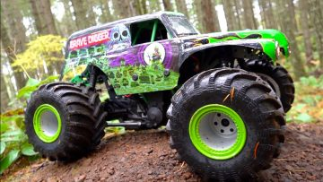 TOUGHEST RC MONSTER TRUCK I'VE OWNED! GRAVE DIGGER LMT | RC ADVENTURES
