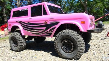 "RC EVENTYR – ""CANDY""! JEM Unveils Her Axial SCX10 II 4×4 PiNK FORD BRONCO"