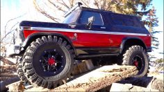 CLASSIC 80's BRONCO w/ HUGE TiRES – TRX4 TRAXXAS – BACKYARD TRAiL PARK | RC ADVENTURES