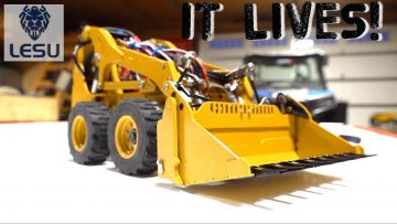 PROJECT SKiD! (PT 6) IT WORKS!! CAT SKiD STEER COMES to LiFE! LESU LT5H   RC ADVENTURES