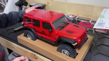 Axial Jeep Rubicon Box Opening and Review