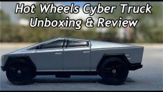 Hot Wheels Cybertruck RC Examen & Unboxing. (RÉELLE EN PERSONNE CYBERTRUCK MUSEUM WALK-AROUND FOOTAGE)