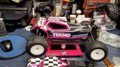 Tekno RC Truggy