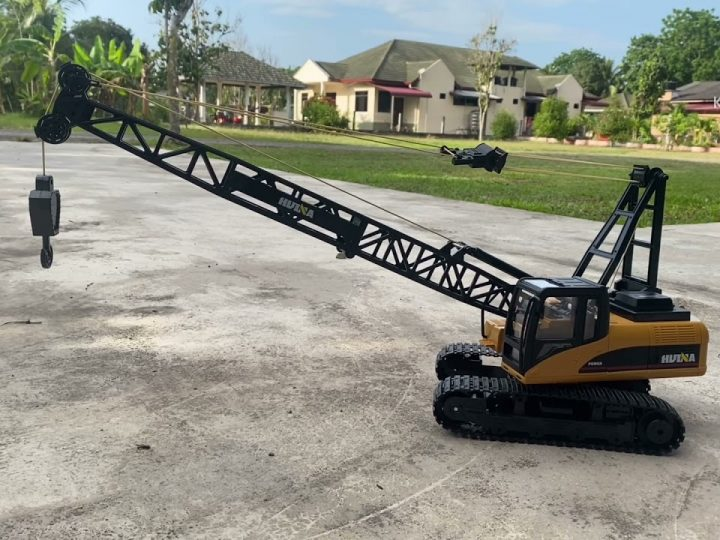 Huina 1572 RC crawler Crane review
