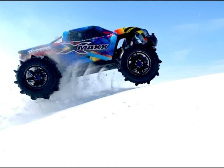 100 MPH RC car VS Snow