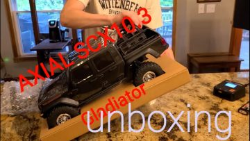 Axial SCX10.3 Gladiator unboxing with RC Wife's review!